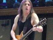 Confirman el grave estado de Malcolm Young AC/DC