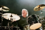 Don Brewer el baterista de Grand Funk Railroad