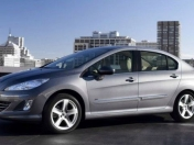 Peugeot 408 vs. Renault Fluence