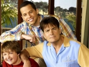 SUSPENDEN Two and a Half Men