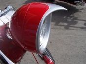 Moto Bobber Custom por Stunata Customs - Red & Sliver