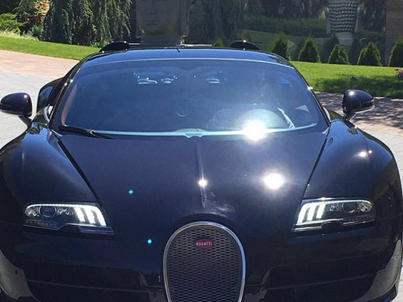 cristiano ronaldo se regala un bugatti veyron taringa. Black Bedroom Furniture Sets. Home Design Ideas