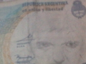 Me encontre un billete genial y te lo muestro