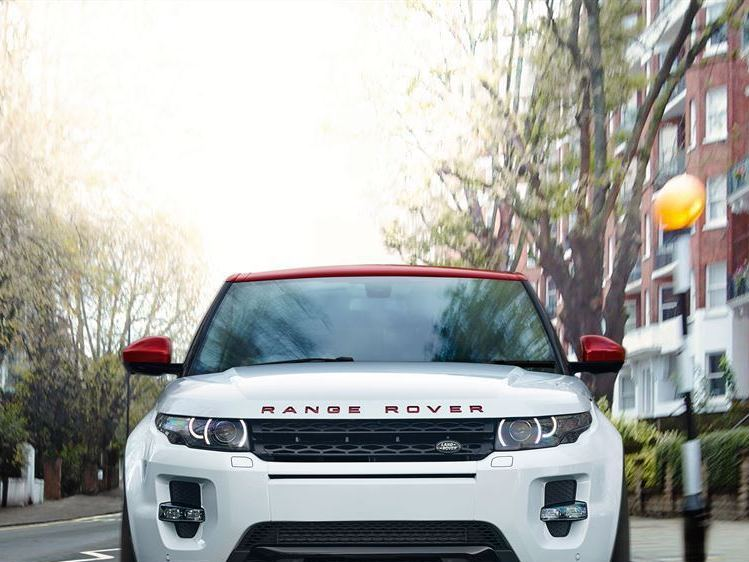 Range rover evoque nw8 abbey road taringa for Abbey road salon