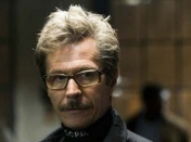Gary Oldman no ve claro Batman v Superman: Dawn of Justice