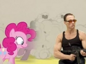 Jean-Claude Van Damme conoce a My Little Pony