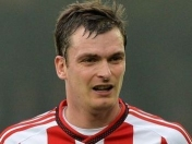 A Adam Johnson lo obligan a levantar el jabon en la carcel